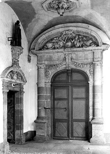 Eglise Saint-Sauveur Cloître, portail, Mieusement, Médéric (photographe),
