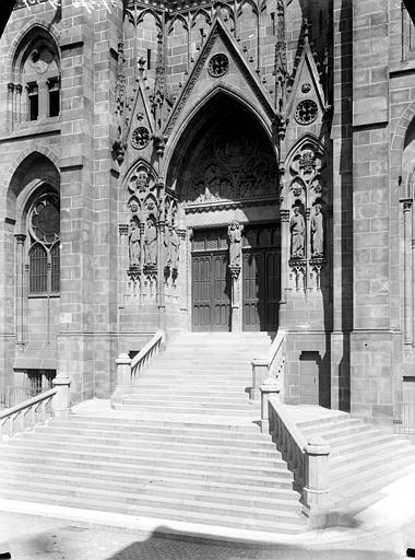Cathédrale Notre-Dame Portail et degrés, Chaine, Henri (architecte),
