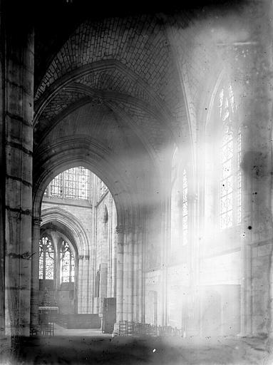Eglise Saint-Nizier (supposée) Intérieur, Enlart, Camille (historien),