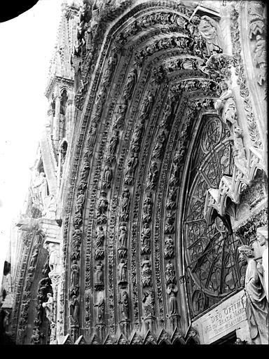 Cathédrale Notre-Dame Portail ouest, porte centrale, voussure de gauche, Lajoie, Abel,