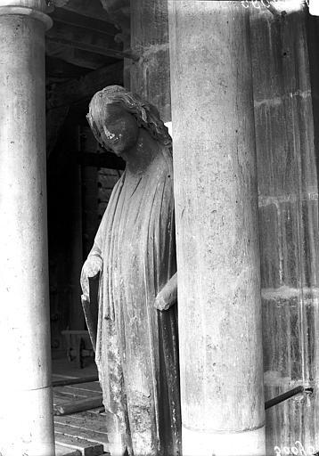 Cathédrale Notre-Dame Ange du premier contrefort de l'abside, Lajoie, Abel,
