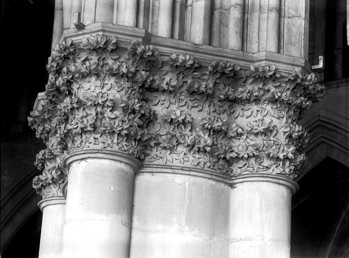 Cathédrale Notre-Dame Chapiteau du deuxième pilier de la nef, à droite, Lajoie, Abel,