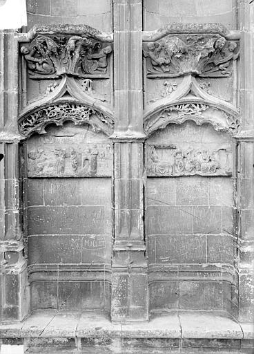 Cathédrale Saint-Etienne Façade ouest : les deux premières arcatures du soubassement à gauche, Doucet ; Baudet (photographe),