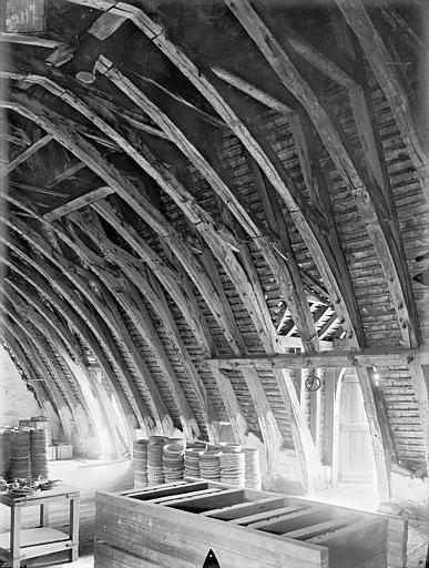 Hôtel de Jean du Moulin de Rochefort (ancien) Vue intérieure des combles : Charpente, Gossin (photographe),
