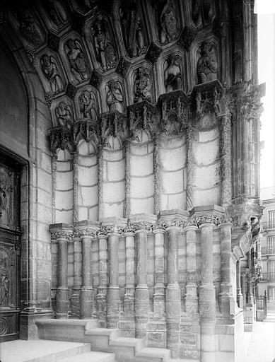 Eglise Saint-Michel Portail nord de la façade ouest : Ebrasement droit, Heuzé, Henri (photographe),