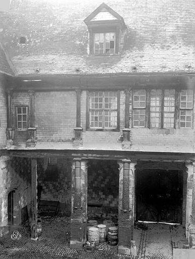 Hôtel de Mauroy Bâtiment ouest sur la cour, Lancelot, Gustave,
