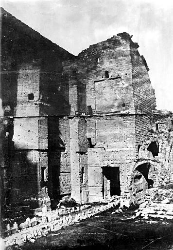 Amphithéâtre Mur de scène, côté intérieur, Baldus, Edouard (photographe),