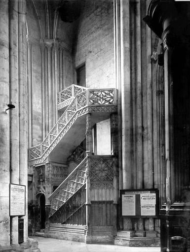 Cathédrale Notre-Dame Escalier, Enlart, Camille (historien),