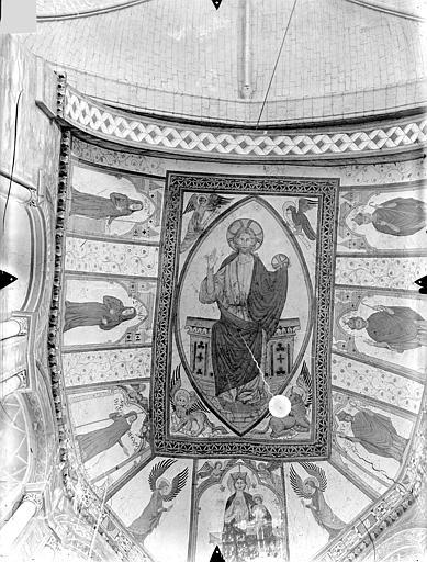 Eglise Sainte-Radegonde Peintures murales du choeur, dans le cul-de-four de l'abside (ensemble) : Le Christ en majesté et le tétramorphe. Vierge à l'Enfant entre deux anges. Personnages d'Eglise, Gossin (photographe),