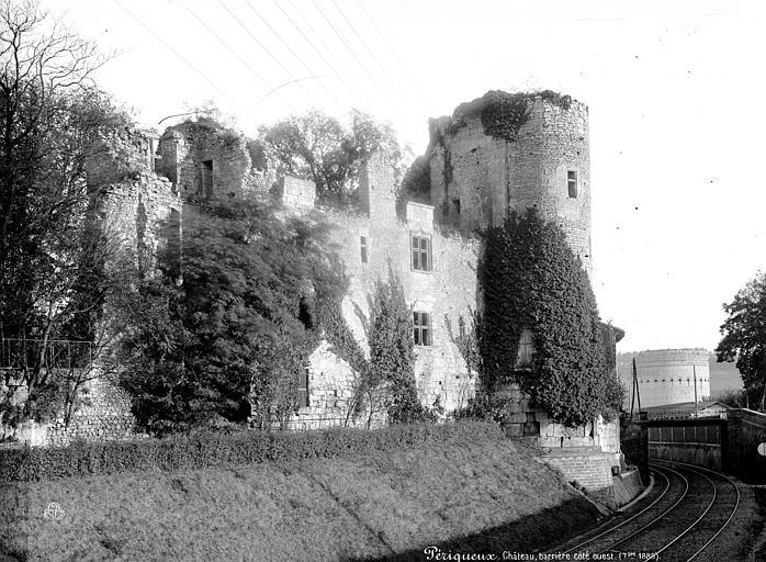 Château Barrière Façade ouest, Mieusement, Médéric (photographe),