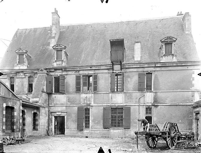 Hôtel de Jean du Moulin de Rochefort (ancien) Façade sur cour, Gossin (photographe),
