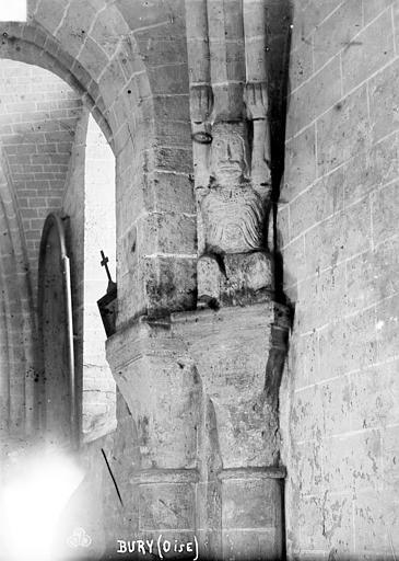 Eglise Saint-Lucien Chapiteaux et cariatide du 2ème pilier du bas-côté nord (face est), Robert, Paul (photographe),
