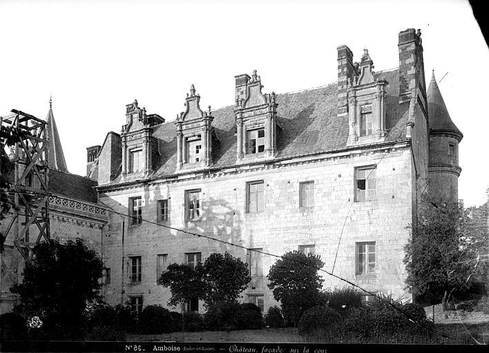 Château Aile Louis XII : façade sur la cour côté ouest, Mieusement, Médéric (photographe),