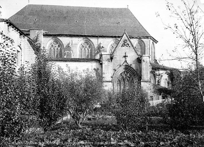 Eglise Saint-Pierre (ancienne cathédrale) et son cloître Façade sud : partie est, Mieusement, Médéric (photographe),