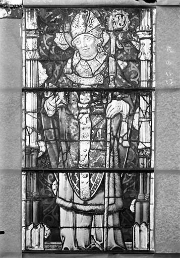 Eglise Saint-Gengoult Vitrail de la façade ouest, 4ème lancetteà gauche 10, 11, 12, Romanais (photographe),