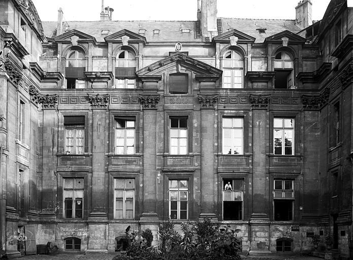 Hôtel Lamoignon Façade sur cour, Durand, Eugène (photographe),