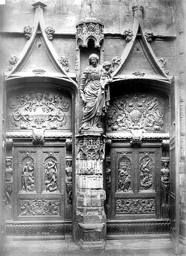 Eglise Saint-Pierre Façade ouest : Porte en bois sculptée, Mieusement, Médéric (photographe),