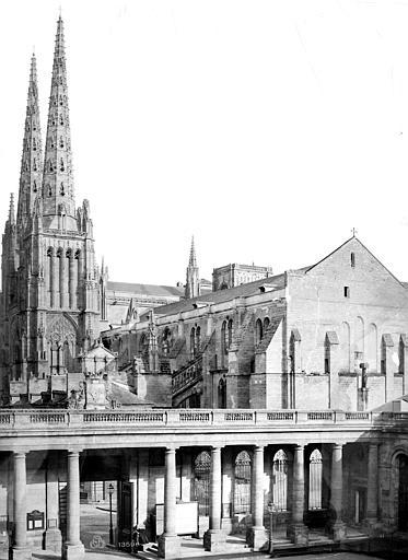 Cathédrale Saint-André Ensemble ouest pris de l'hôtel de ville, Mieusement, Médéric (photographe),