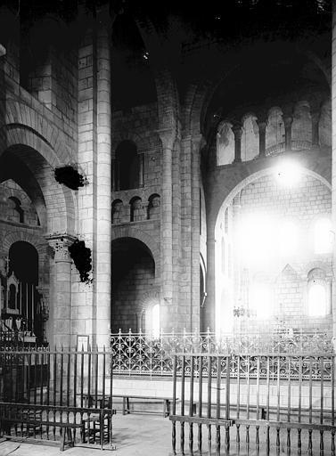Eglise Saint-Etienne Croisée, Enlart, Camille (historien),