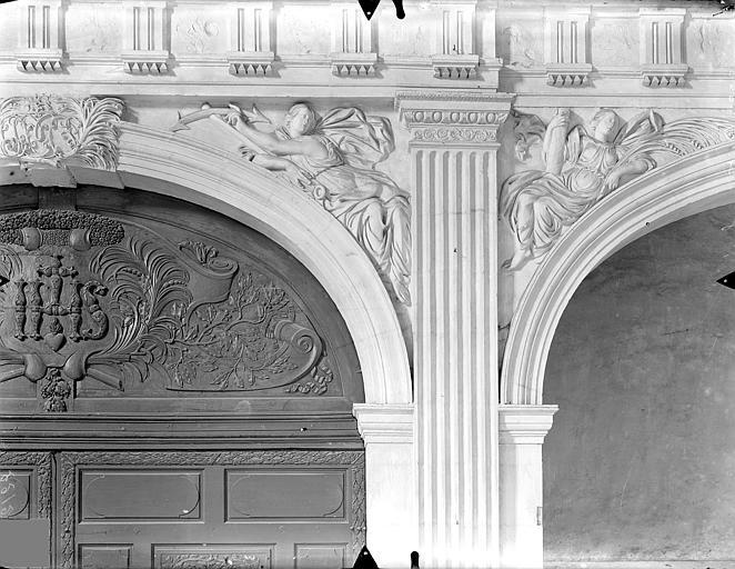 Collège de Jésuites (ancien) dit Collège de Poitiers Chapelle : Ecoinçons de la tribune, Gossin (photographe),