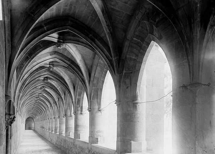 Chartreuse Saint-Sauveur (ancienne) Cloître: galerie, Enlart, Camille (historien),