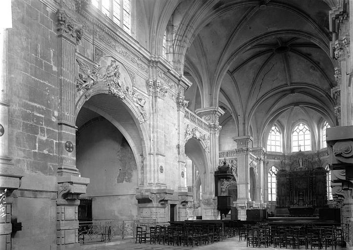 Chapelle du collège Nef vue de l'entrée, Enlart, Camille (historien),