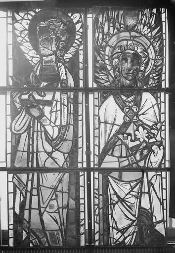 Cathédrale Notre-Dame Vitraux de la fenêtre axiale du choeur, figures supérieures de la deuxième et quatrième lancette, Nadeau, H. (photographe),