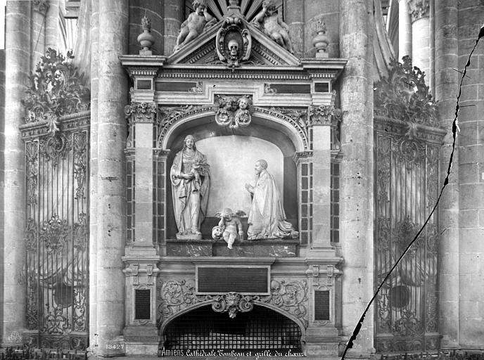 Cathédrale Notre-Dame Tombeau du chanoine Guillain Lucas, Mieusement, Médéric (photographe),