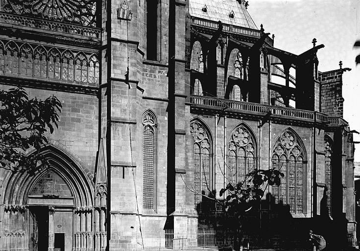 Cathédrale Notre-Dame Partie latérale sud, Enlart, Camille (historien),