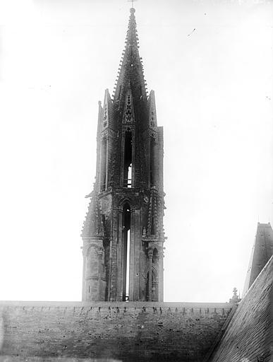 Eglise Notre-Dame ; Cathédrale (ancienne) Flèche : Vue d'ensemble de la partie supérieure, Durand, Jean-Eugène (photographe),