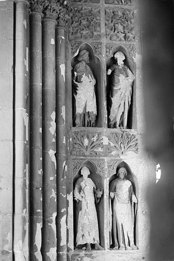 Cathédrale Notre-Dame Revers du portail sud de la façade ouest : Statues, côté sud, 3e et 4e registres, Sainsaulieu, Max (photographe),