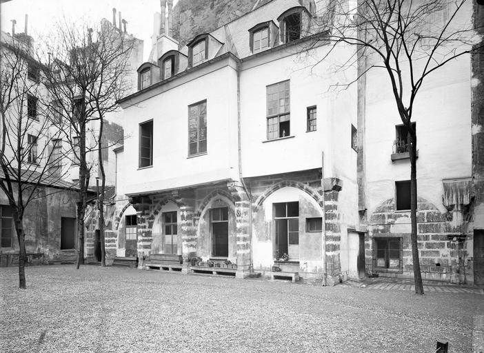 Eglise Saint-Séverin Cloître, extérieur,avant restauration, Durand, Eugène (photographe),