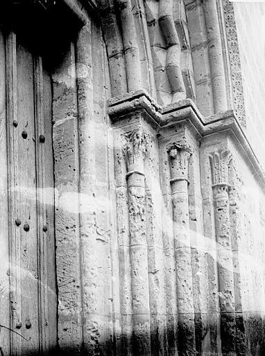 Eglise Portail ouest: détail, Enlart, Camille (historien),