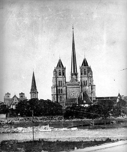 Cathédrale Saint-Bénigne Vue générale côté ouest, Delaunay (photographe),