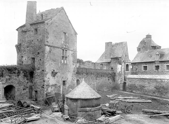 Château Cour, côté nord : Tourelle de l'aumônerie, Durand, Jean-Eugène (photographe),