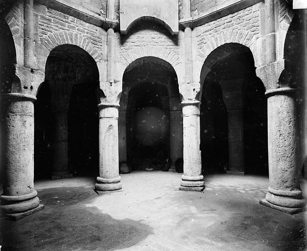 Cathédrale Saint-Bénigne Crypte Saint-Bénigne : arcades, Delaunay (photographe),