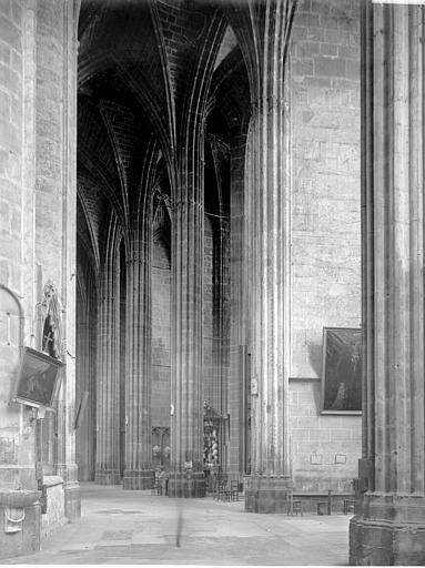 Cathédrale Saint-Just (ancienne) Déambulatoire, Enlart, Camille (historien),