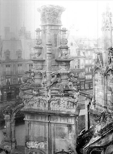 Eglise Saint-Pierre Pinacle de l'abside numéro 19 (ensemble), Durand, Jean-Eugène (photographe),