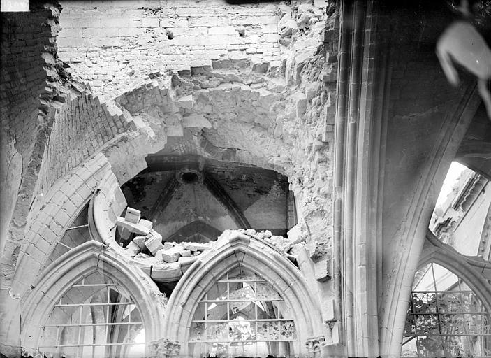 Cathédrale Notre-Dame Vue intérieure du transept sud : voûte de la 1e travée, Sainsaulieu, Max (photographe),