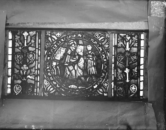 Eglise Saint-Gengoult Vitrail de l'abside, lancette gauche, panneaux supérieurs 2, Romanais (photographe),