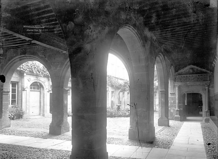 Petit séminaire (ancien), Hôtel Renaissance dit La Labenche Galeries, intérieur, Durand, Jean-Eugène (photographe),