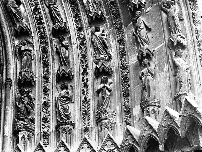 Cathédrale Notre-Dame Portail ouest, porte de droite, partie inférieure de la voussure droite, Lajoie, Abel,