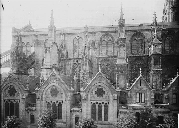 Cathédrale Saint-André Partie latérale, Enlart, Camille (historien),