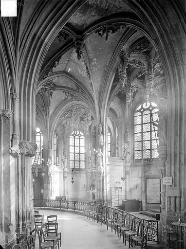 Eglise Saint-Pierre Vue intérieure du déambulatoire, côté sud-est, Heuzé, Henri (photographe),
