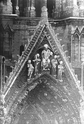 Cathédrale Notre-Dame Portail ouest, pignon de la porte sud, gables, Lajoie, Abel,