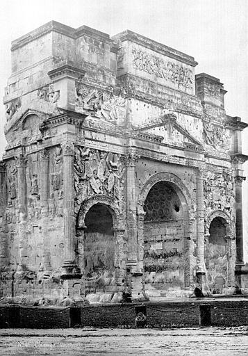Arc antique dit de Marius Vue d'ensemble, Mieusement, Médéric (photographe),