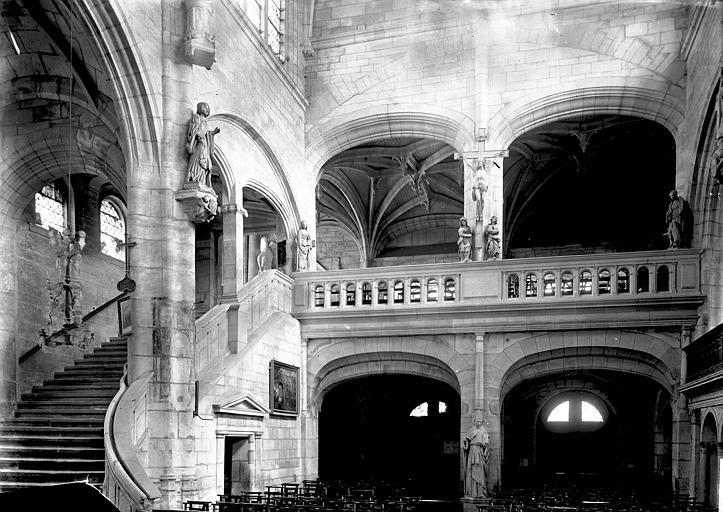 Eglise Saint-Nicolas Intérieur: escalier et tribune, Enlart, Camille (historien),