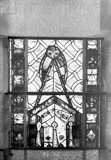 Eglise Saint-Gengoult Vitrail du transept sud, fenêtre A, 4ème lancette, panneaux 35, 36, Romanais (photographe),