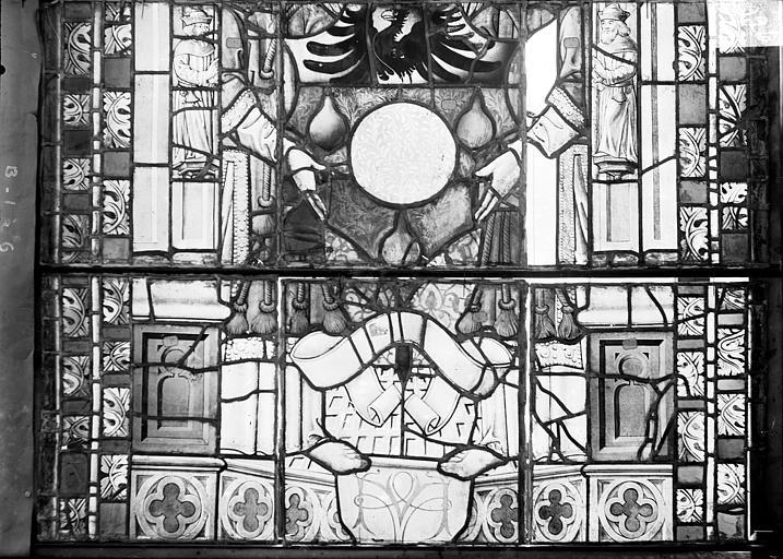 Cathédrale Saint-Etienne (ancienne) Vitrail du transept nord, fenêtre B, panneau inférieur, Romanais (photographe),
