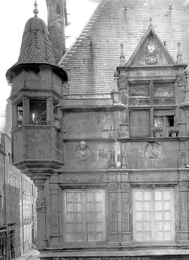 Maison des Consuls Façade sur rue : lucarne et tourelle d'angle, Durand, Jean-Eugène (photographe),